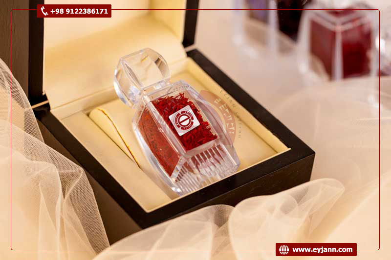 Sending samples for quality assurance of wholesale Iranian saffron